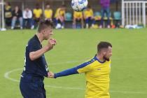 Fotbalová příprava: SK Rakovník (ve žlutém) - SK Benešov 0:1. Hosté byli o něco lepší a zaslouženě vyhráli.