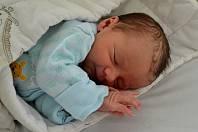 JAN SLOUP, KNĚŽEVES. Narodil se 8. řijna 2019. Po porodu vážil 3,0 kg. Rodiče jsou Kamila a Lukáš. Sestra Simonka.