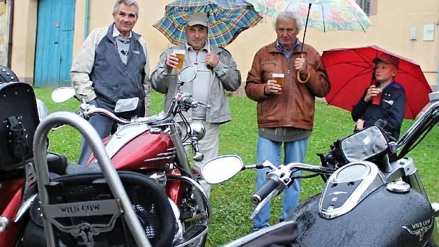 Sraz historických vozidel v Řevničově