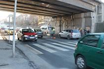 Nehoda v Rakovníku  u viaduktu v pondělí odpoledne