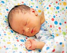 ALEXANDR JAN BOHDANECKÝ, PRAHA. Narodil se 2. března 2018. Po porodu vážil 3,69 kg a měřil 49 cm. Rodiče jsou Alena a Zdeněk. Sestra Anna.