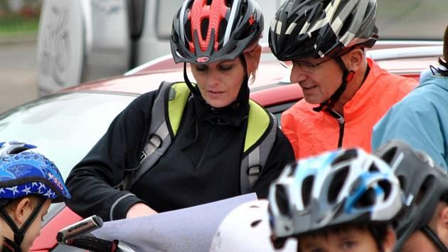 Cyklování začalo orientačním závodem. Nechybělo ani koupání na Tyršově koupališti