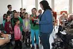Děti ze zbečenské základní školy navštívily Domov Na Zátiší Rakovník v rámci projektu Jsem laskavec 2018.