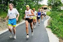 Prvních 500 metrů závodu bylo ještě po rovině
