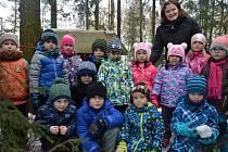 Děti z MŠ Ruda s paní učitelkou Danou Korfovou