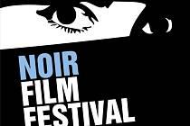 Plakát k Noir Film Festivalu na Křivoklátě.