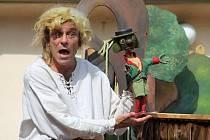 Herci z divadelní společnosti Koňmo předvedli v Roubence humorné představení Vodnická pohádka.