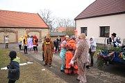 Krušovicemi prošel v sobotu 17. února masopustní průvod, který pořádali jako každý rok dobrovolní hasiči.