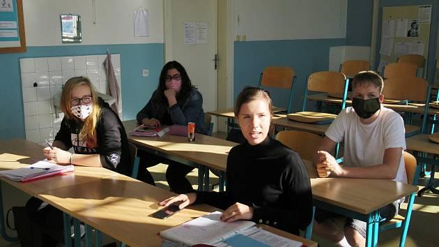 Konzultační dopoledne probíhají na Masarykově obchodní akademii v Rakovníku z odborných předmětů, cizích jazyků a matematiky s češtinou.