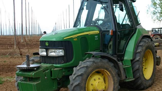 Traktor ilustrační foto