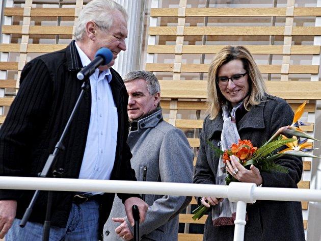 Slavnostní otevření palmového skleníku v zámeckém parku v Lánech za účasti prezidenta ČR Miloše Zemana