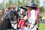 Čarodějnice na  Tyršáku si letos nenechaly ujít davy lidí
