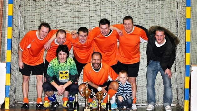 Vítězem třináctého ročníku fotbalového halového turnaje se stala Alegria de Partida