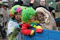 Na Masopust v Čisté dorazili přátelé ze stejnojmenných obcí napříč republikou.