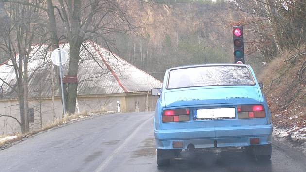 Dopravní omezení na silnici mezi Oráčovem a Jesenicí.