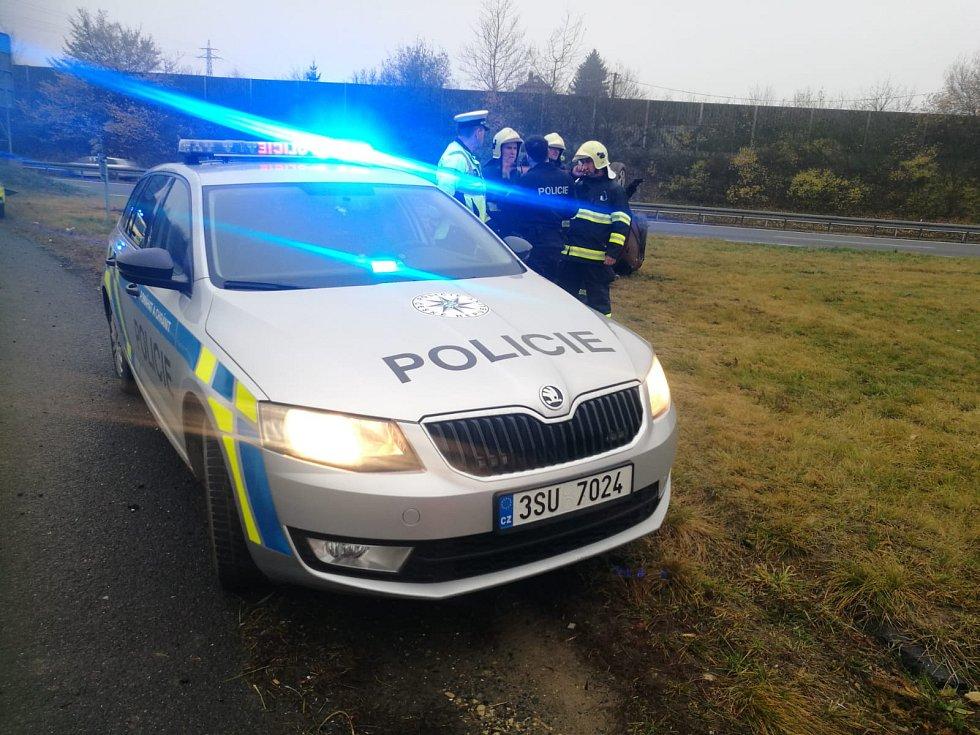 Dopravní nehoda na dálnici D6 na 12. kilometru ve směru na Nové Strašecí.