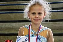 Krasobruslařka Lucie Šilerová na závodech v Nymburku.