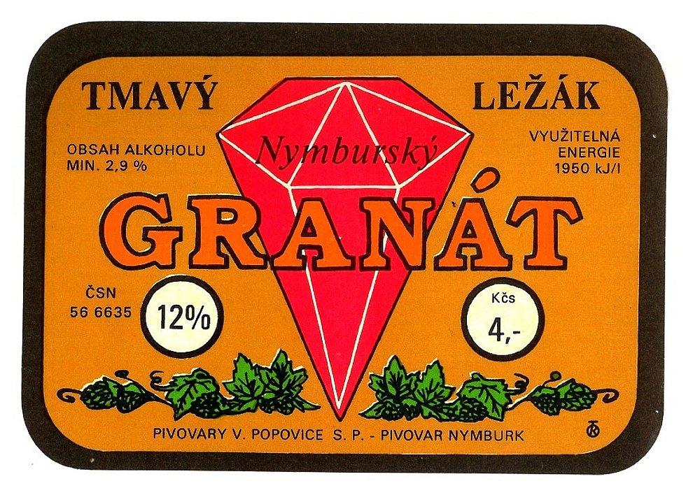 Pivní etiketa tmavého ležáku používaná v devadesátých letech.