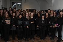 Woldingham School Choir v Rabasově galerii