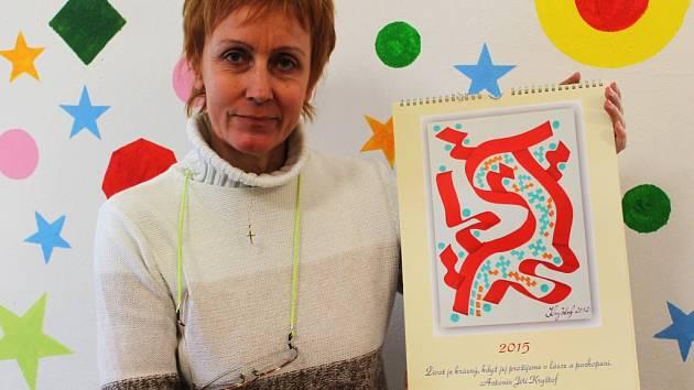 L. Petříčková s prodejním kalendářem
