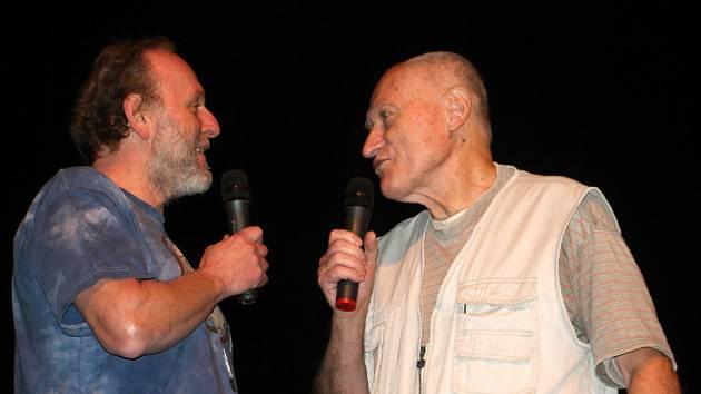Do Tylova divadla v Rakovníku zavítali Jaroslav Dušek a Mnislav Zelený, přezdívaný Atapana.