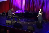 V Kulturním centru Rakovník se uskutečnil dlouho očekávaný koncert Lucie Bílé a Petra Maláska s názvem Recitál.