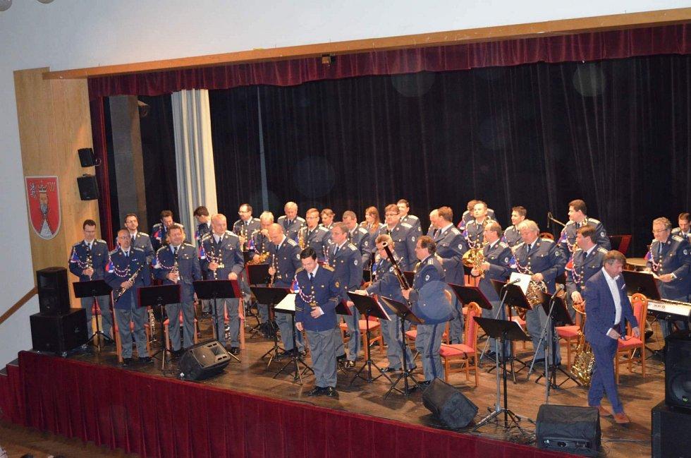 Studenti z Nového Strašecí uspořádali benefiční koncert