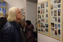 Zahájení výstavy Novoročenky ve výstavní síni rakovnické radnice.