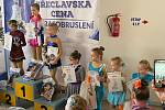 MC Břeclavi se z rakovnického krasobruslařského oddílu zúčastnila dvojčata Károvi.