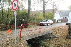 Můstek u zříceniny hradu Krakovec směrem na Šípy je od 16. října uzavřen.