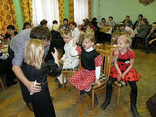 Jarní karneval v Kroučové
