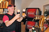Luboš Závora pracuje v krušovickém pivovaru od roku 1957.