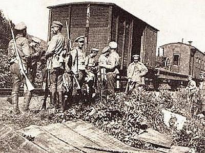 Josef Zubatý se zúčastnil ústupových bojů po Transsibiřské magistrále do Vladivostoku, ke kterým došlo po střetu mezi bolševiky a legionáři v Čeljabinsku. Zažil při tom řadu velmi nebezpečných situací.