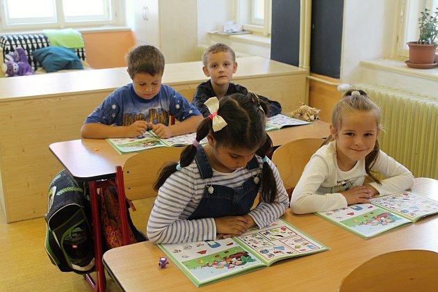 Třída 1.B 1.základní školy vRakovníku pod vedením třídní učitelky Aleny Rojíkové.