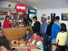 Pivo holt táhne