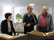 Návštěvníci rakovnického archivu také nahlédli do kronik města Rakovníka.