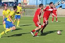Fotbalová příprava: SK Rakovník B (v červeném) hostil Zavidov.