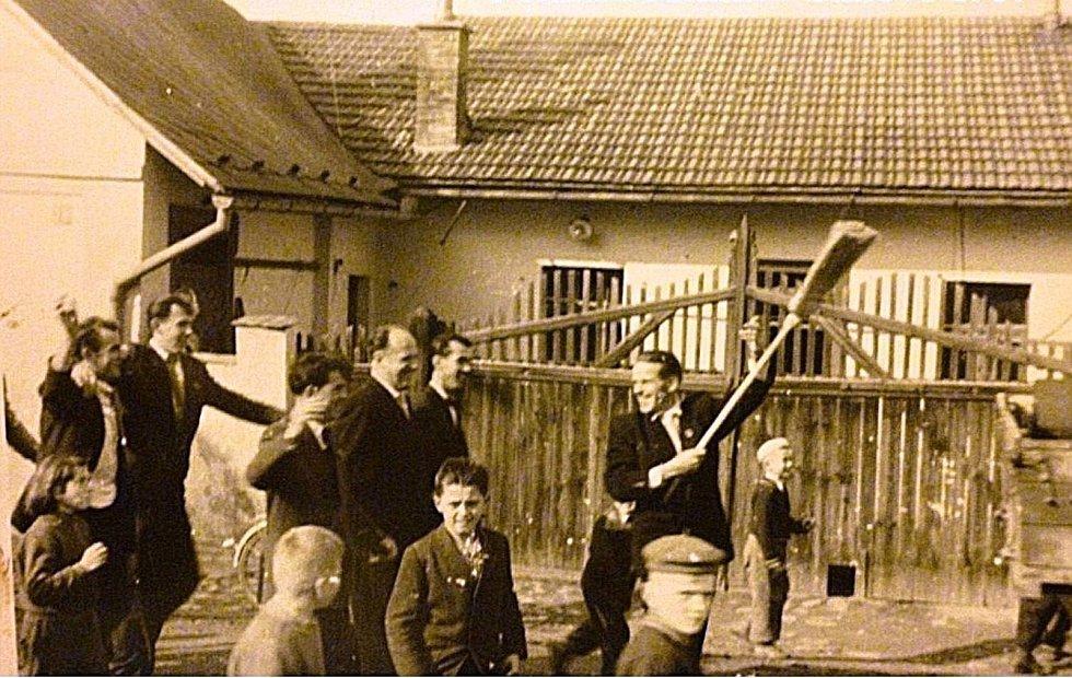 Pěkná hodina v Šanově v roce 1959.