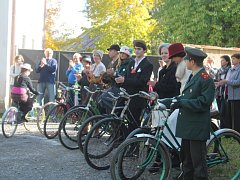 Jízda elegance členů Velociped bicykl klubu Kolešovice Doba minulá
