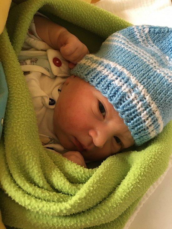 Petr Lipš, Ostředek Narodil se 17. října 2020. Po porodu vážil 3,41 kg. Rodiče jsou Lucie Kobiánová a Petr Lipš, sestra Lucie. (porodnice Benešov)
