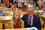 Druhého září začala pro žáky ze čtyř prvních tříd Základní školy J. A. Komenského v Novém Strašecí školní docházka.