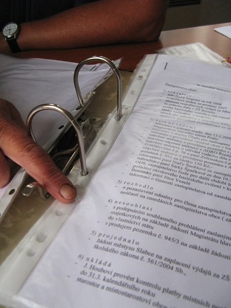 Úřední doklady zabývající se školou ve Skryjích
