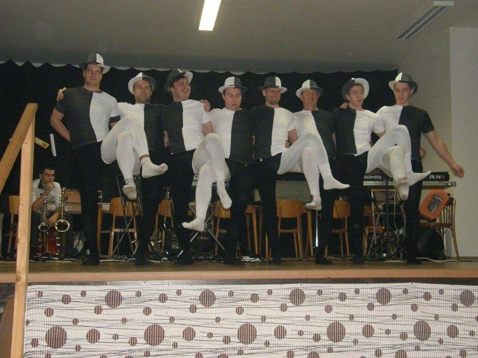 Hasičský ples v Malinové