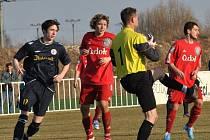 Zdeněk Schwendt (vlevo) hrál ještě nedávno derby proti Novému Strašecí, nyní si to tam zkusí na vlastní kůži