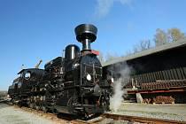 Na jízdy hned několika parních vlaků se o víkendu mohou těšit příznivci železniční nostalgie.