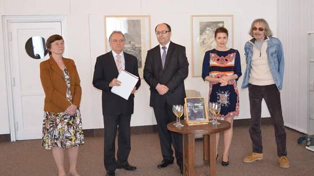 Odhalení desky a otevření Městské galerie Viktora Olivy v Novém Strašecí