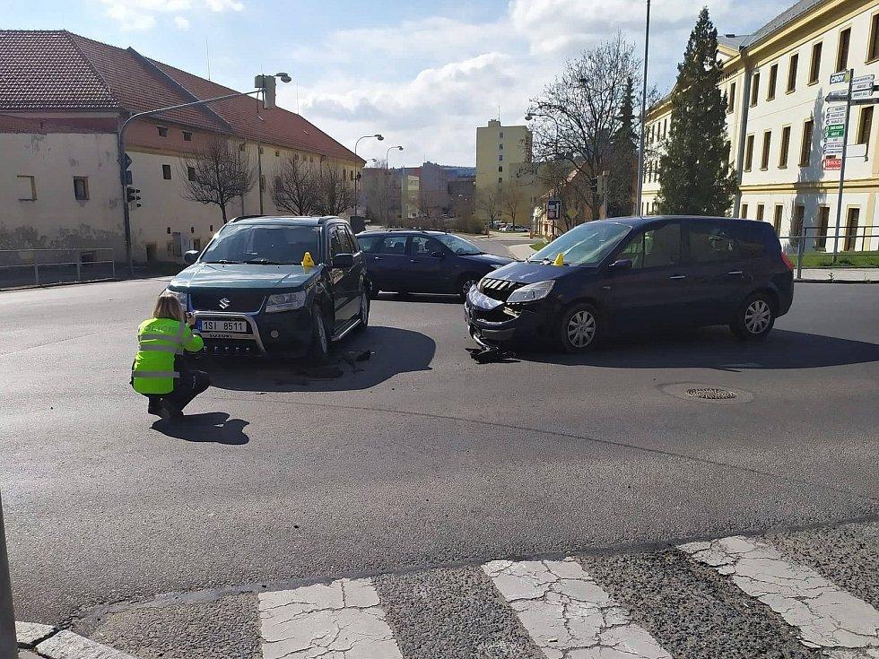 Křižovatka u soudu bývá svědkem častých dopravních nehod. Toto místo by mohl od letošního roku strážit nový kamerový bod.