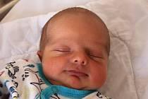 MIROSLAV HÉGR, RAKOVNÍK. Narodil se 3. července 2020. Rodiče jsou Veronika a Radek, sestra Karolína. Po porodu vážil 3 kg a měřil 50 cm.