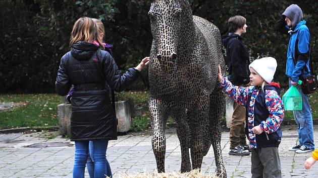 Odhalení soch koní v ulici Na Sekyře v Rakovníku 2016