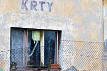 Krty - někdo hodil do domu obývaného Romy zápalnou láhev